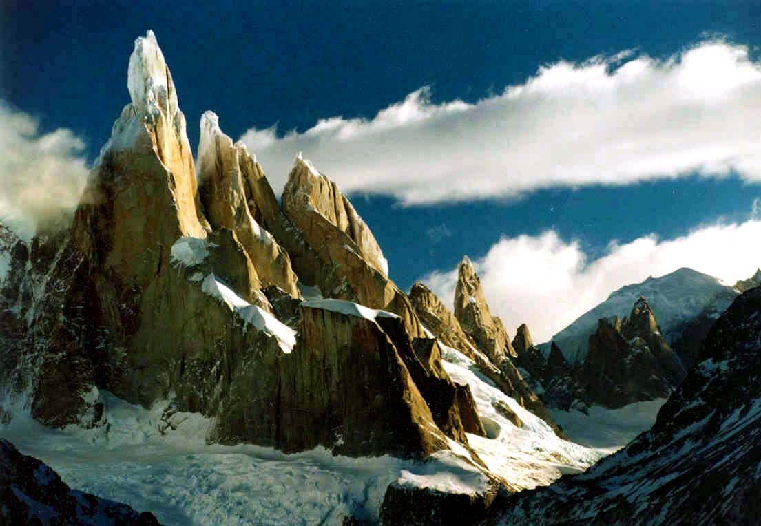 HQ Cerro Torre Wallpapers | File 86.26Kb