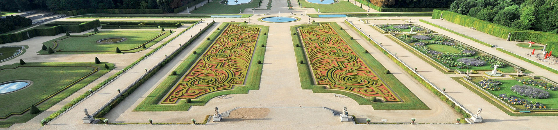 High Resolution Wallpaper | Vaux-le-Vicomte 1920x450 px