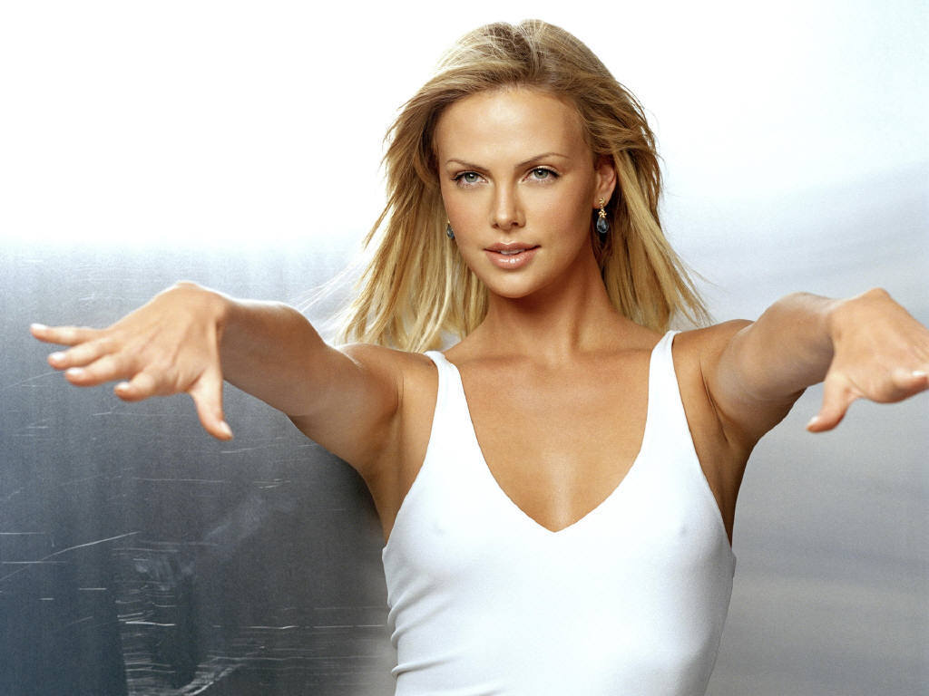 HQ Charlize Theron Wallpapers | File 71.91Kb