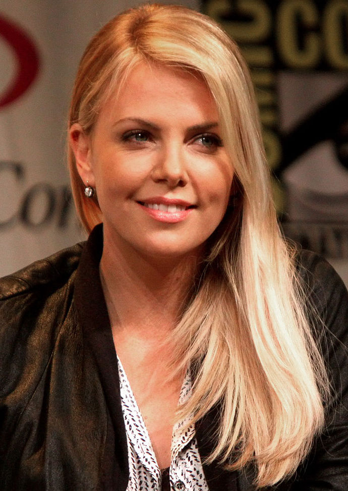 690x973 > Charlize Theron Wallpapers