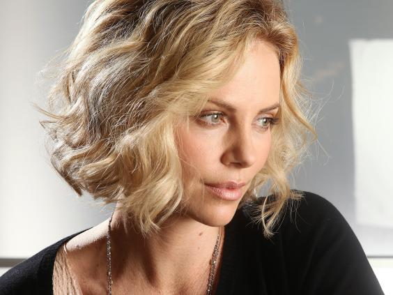 High Resolution Wallpaper | Charlize Theron 564x423 px