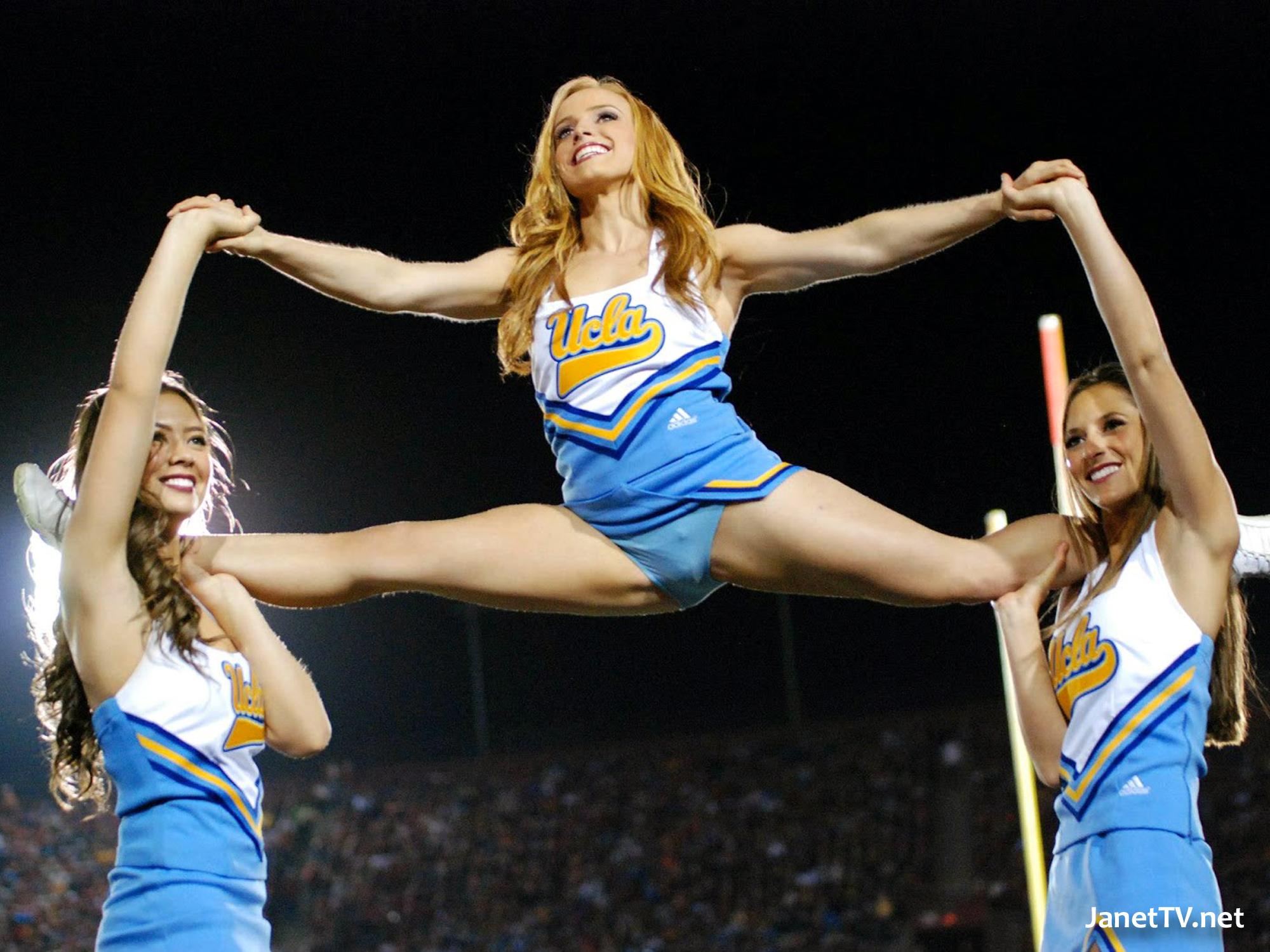 Amazing Cheerleader Pictures & Backgrounds
