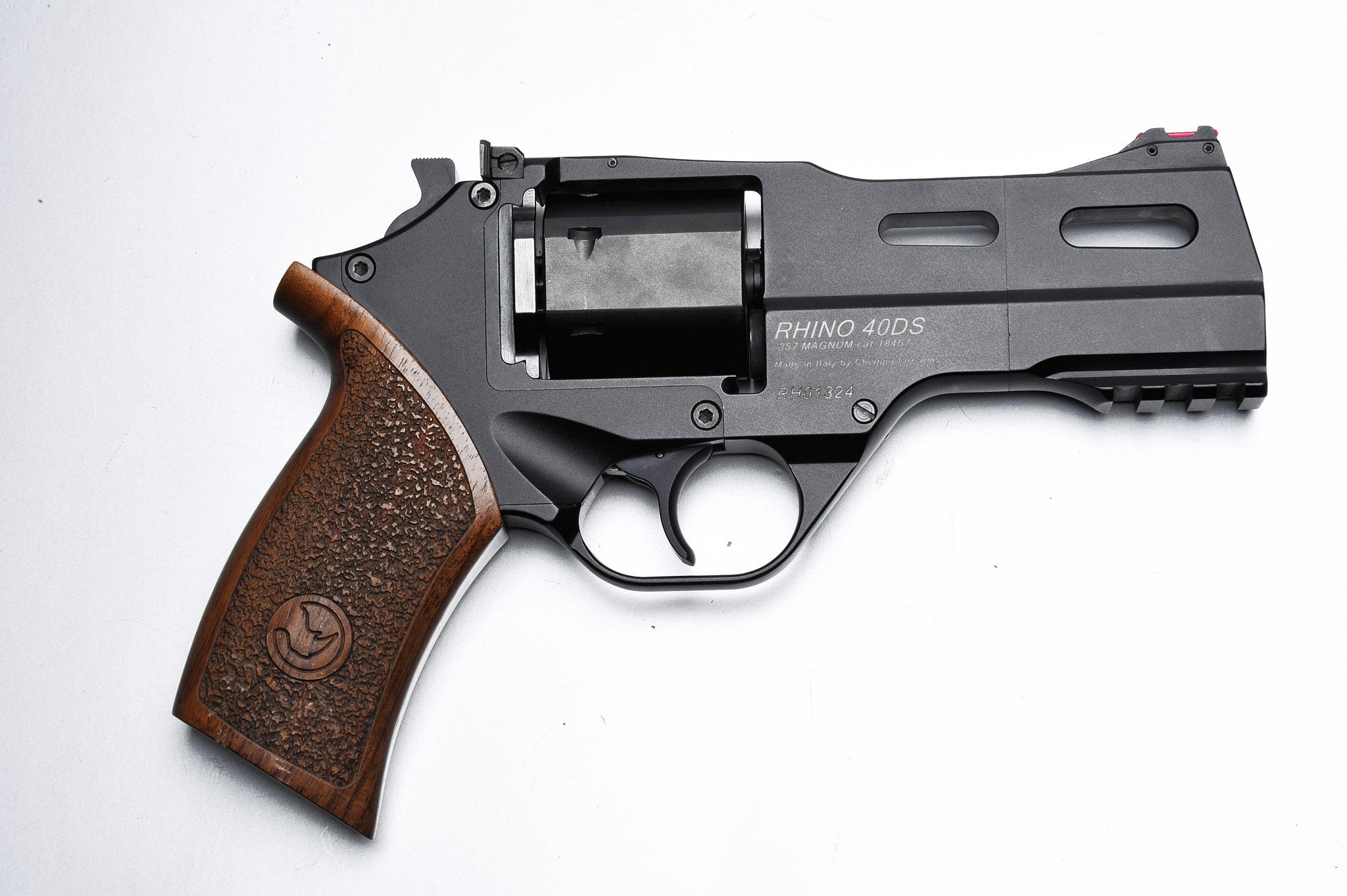 High Resolution Wallpaper | Chiappa Rhino Revolver 2048x1363 px