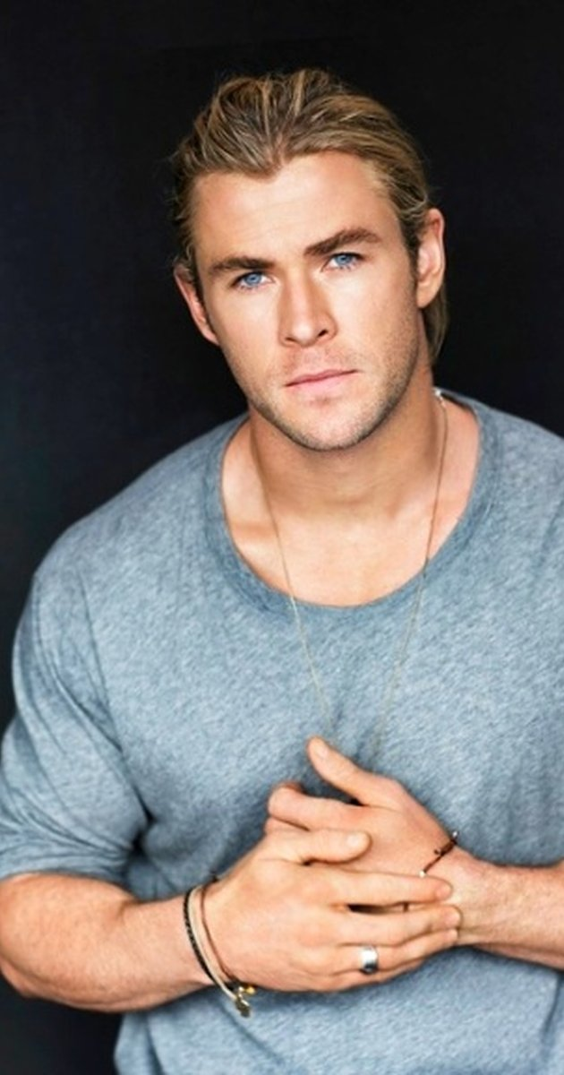 Chris Hemsworth High Quality Background on Wallpapers Vista