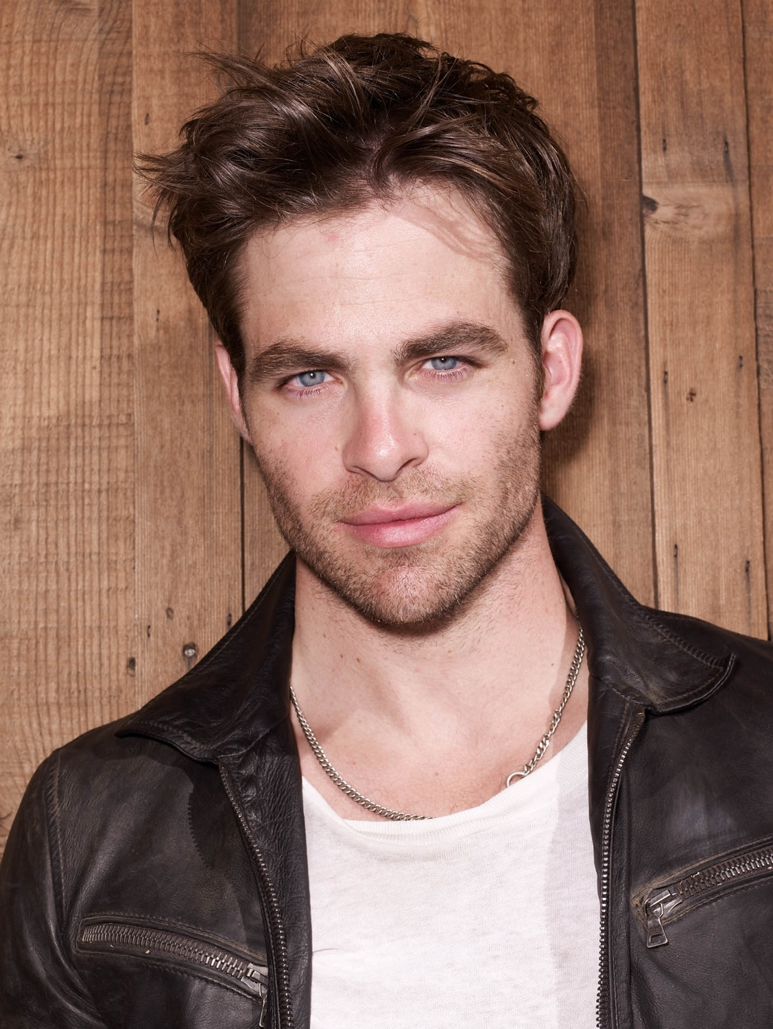 Chris Pine Pics, Celebrity Collection