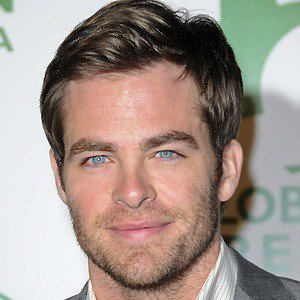 Nice wallpapers Chris Pine 300x300px