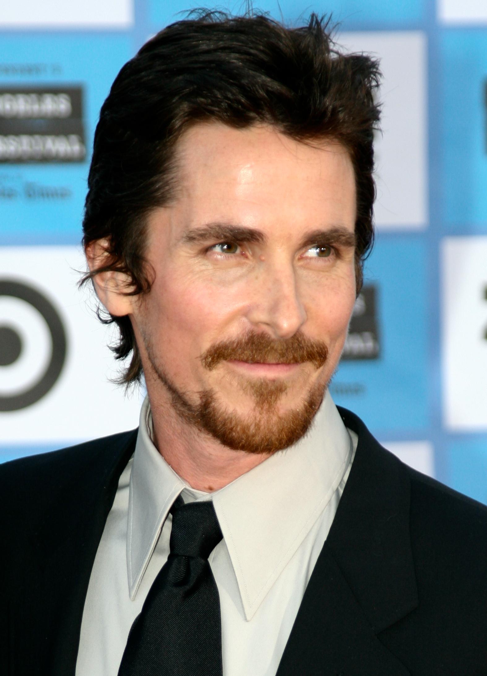High Resolution Wallpaper | Christian Bale 1574x2183 px