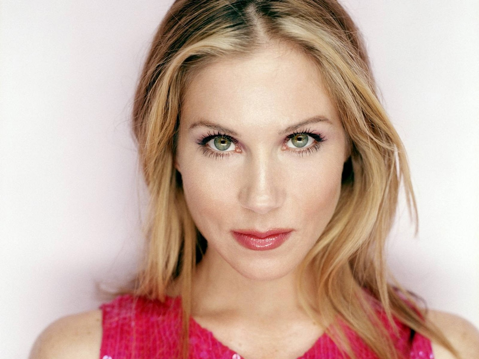 Amazing Christina Applegate Pictures & Backgrounds