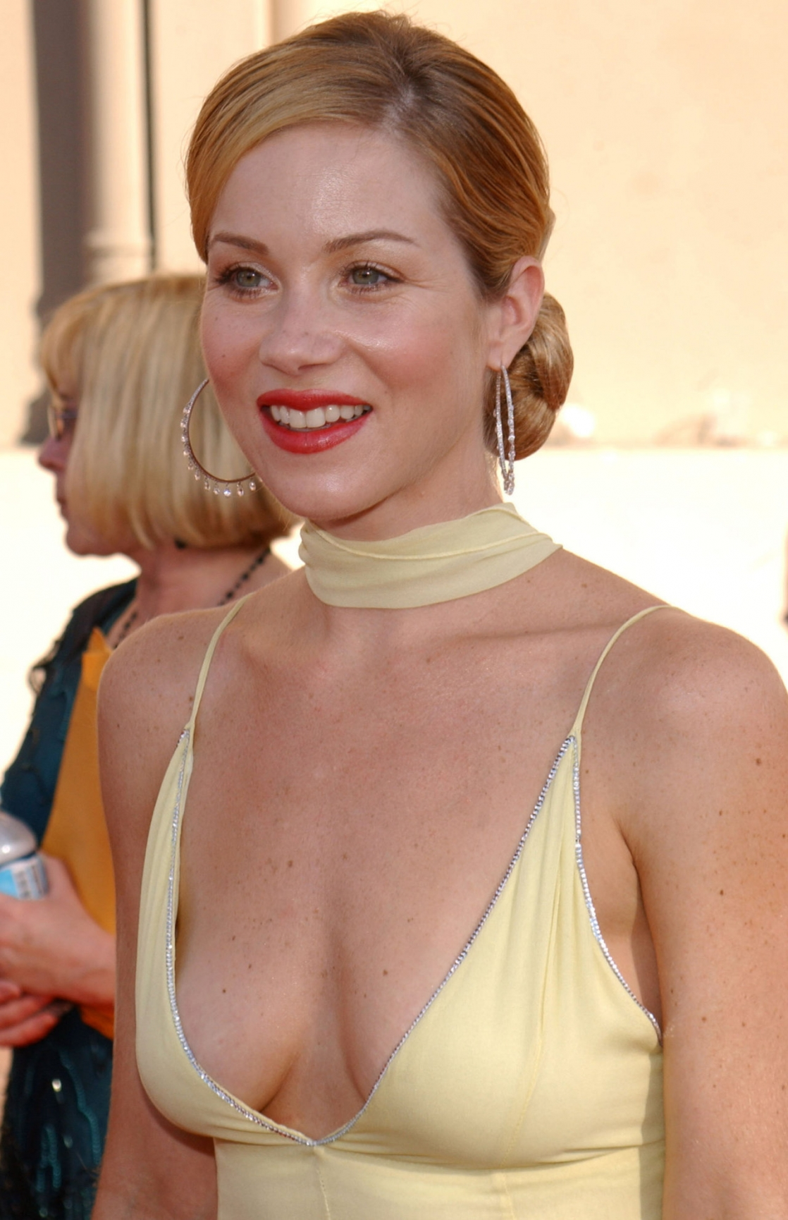 HD Quality Wallpaper | Collection: Celebrity, 1118x1730 Christina Applegate