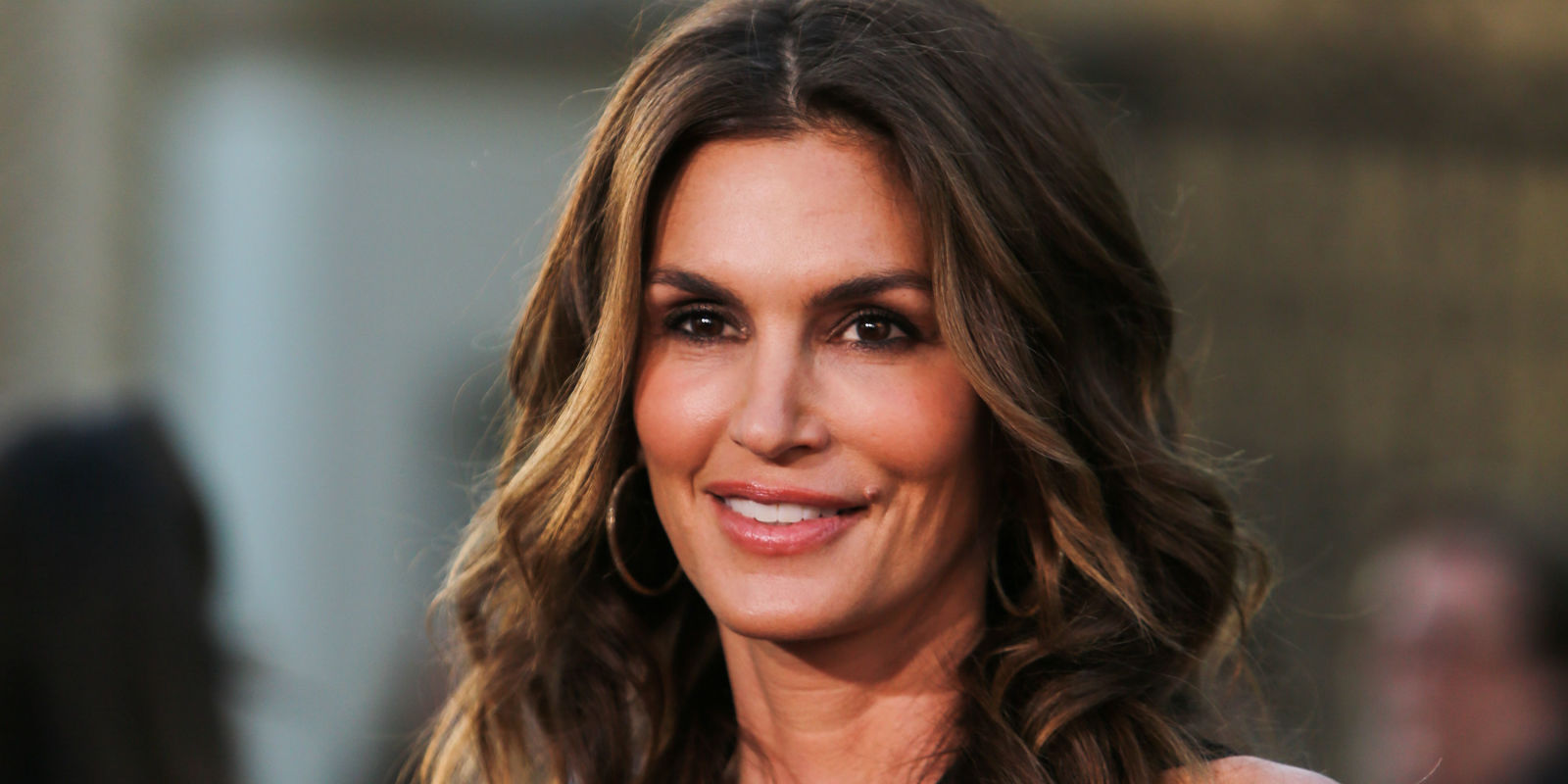 Amazing Cindy Crawford Pictures & Backgrounds