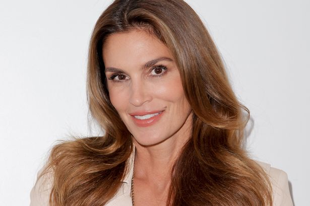 HQ Cindy Crawford Wallpapers | File 32.71Kb