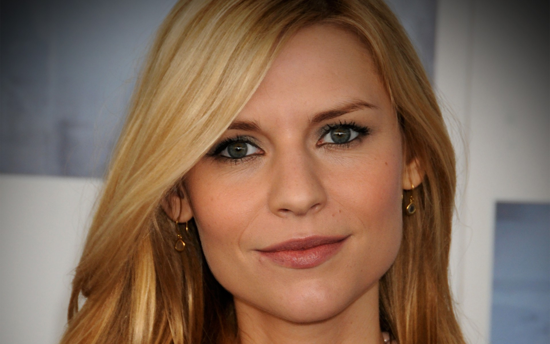 HQ Claire Danes Wallpapers | File 278.96Kb