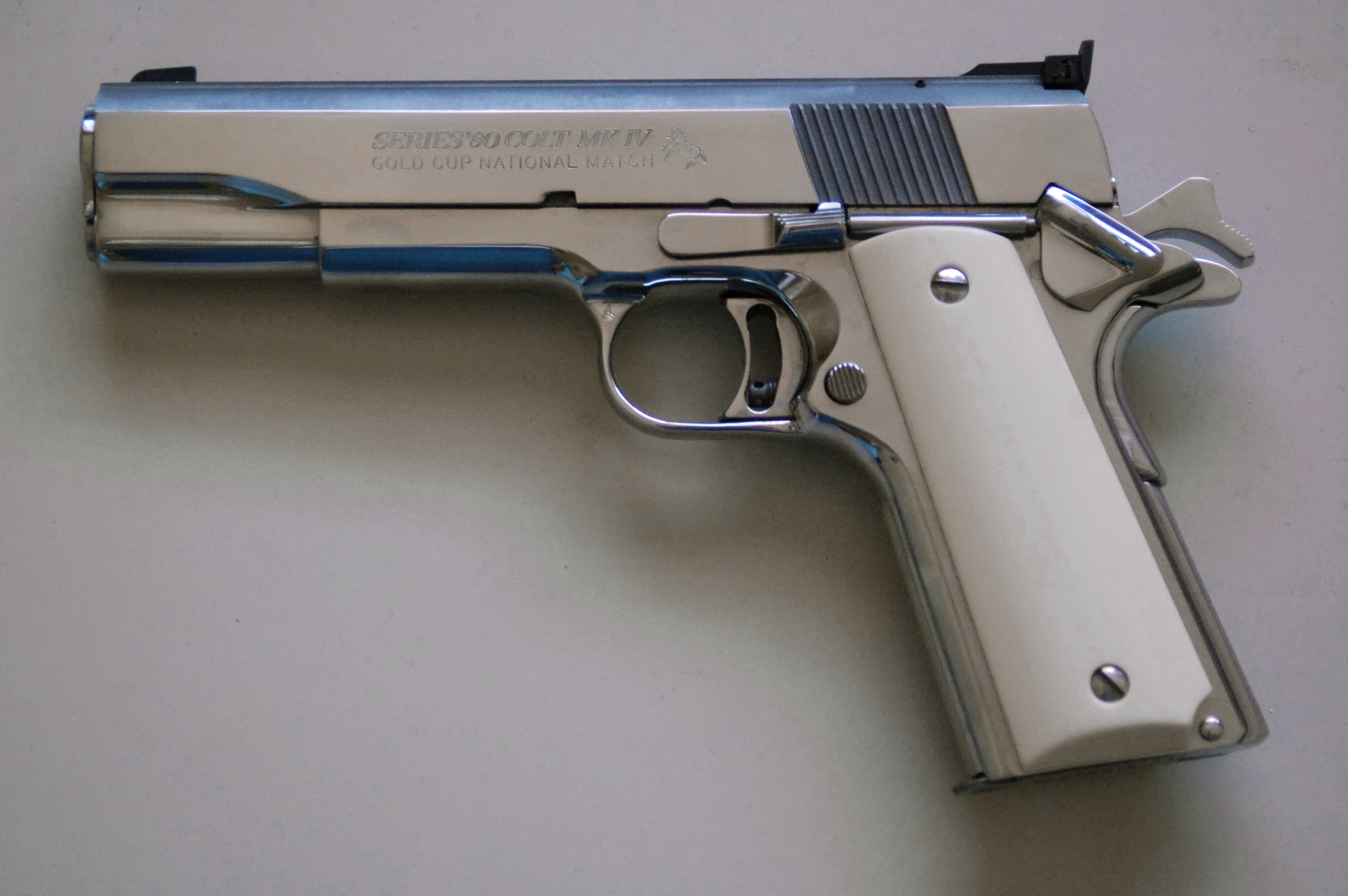 Amazing Colt Pistol Pictures & Backgrounds