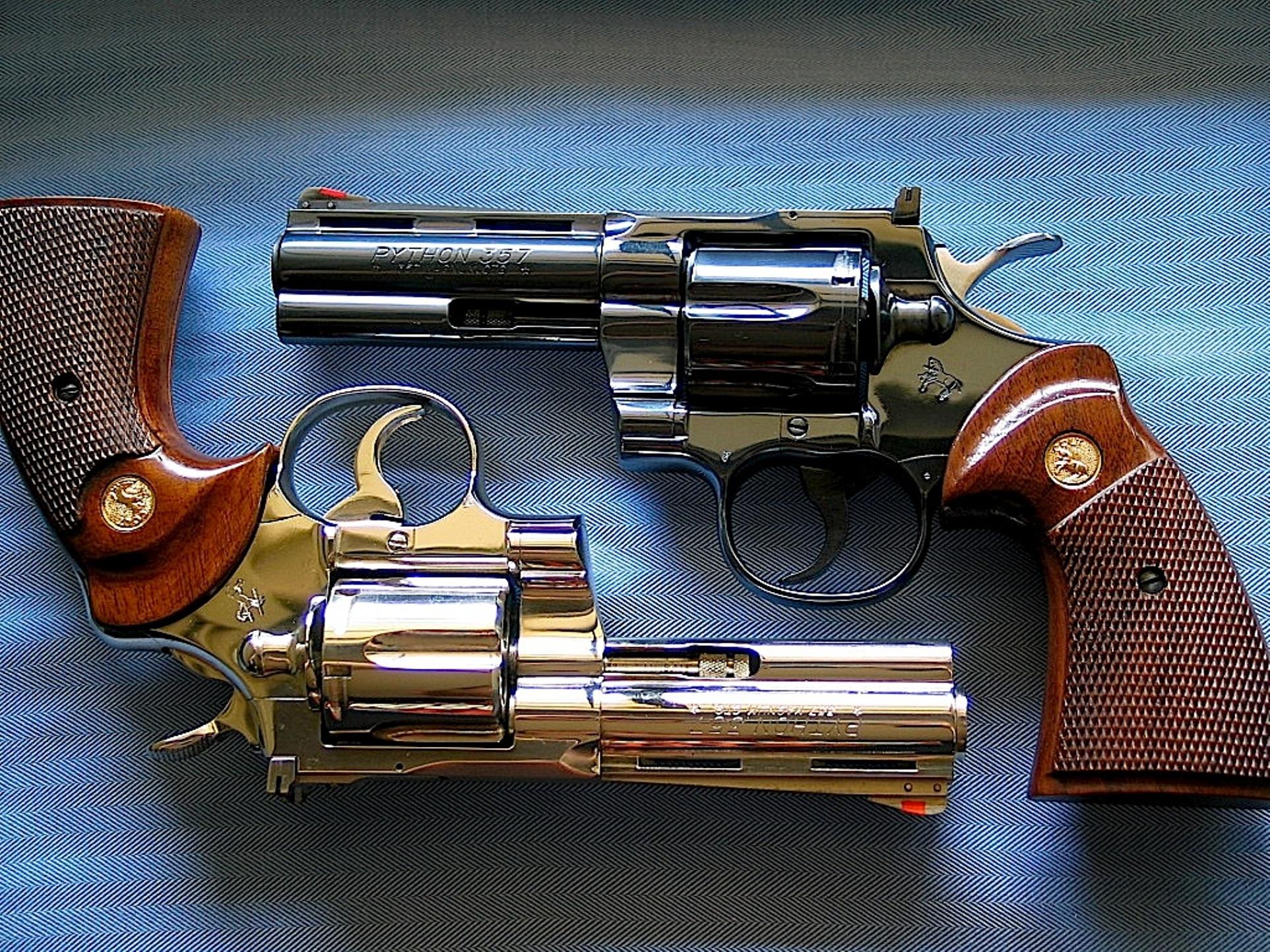 HQ Colt Python Revolver Wallpapers   File 1368.07Kb