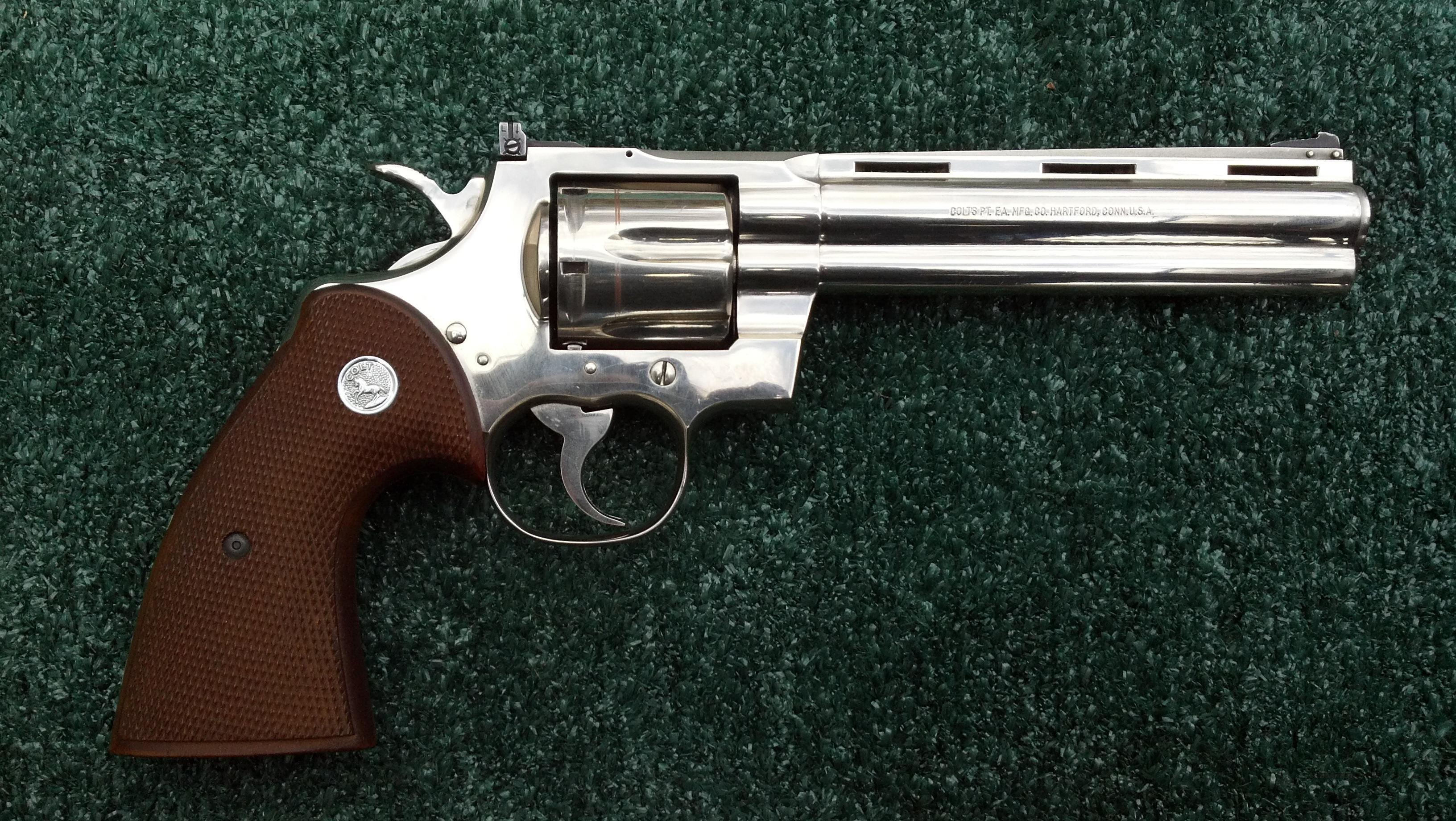Colt Python Revolver Backgrounds, Compatible - PC, Mobile, Gadgets  3264x1840 px