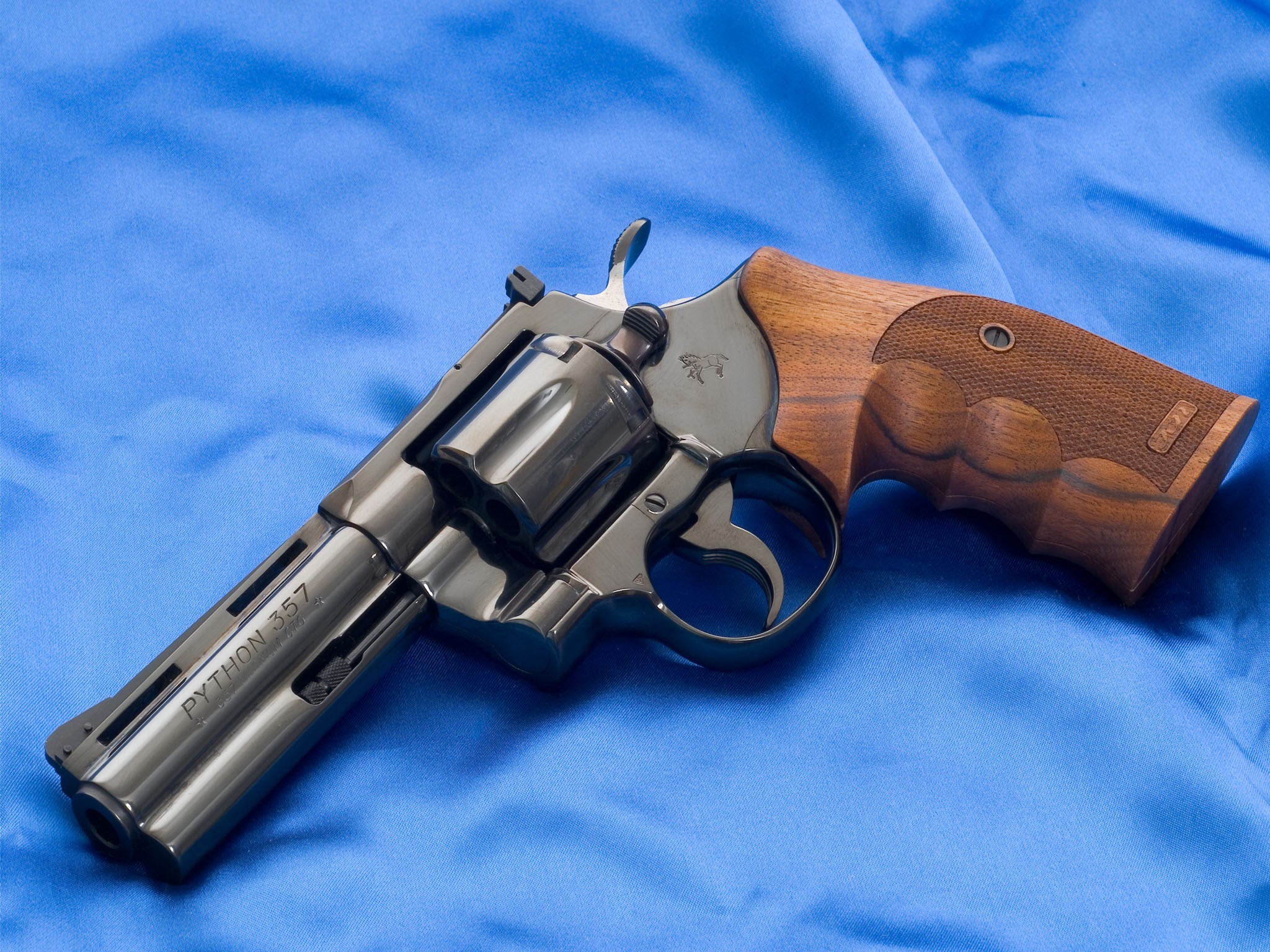 Colt Python Silhouette Revolver Pics, Weapons Collection