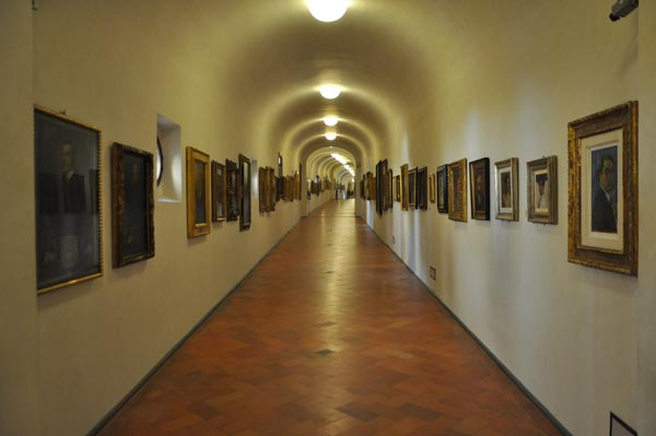 Images of Corridor   600x399