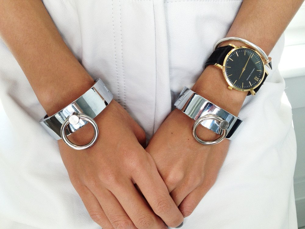 HQ Cuffs Wallpapers   File 144.53Kb