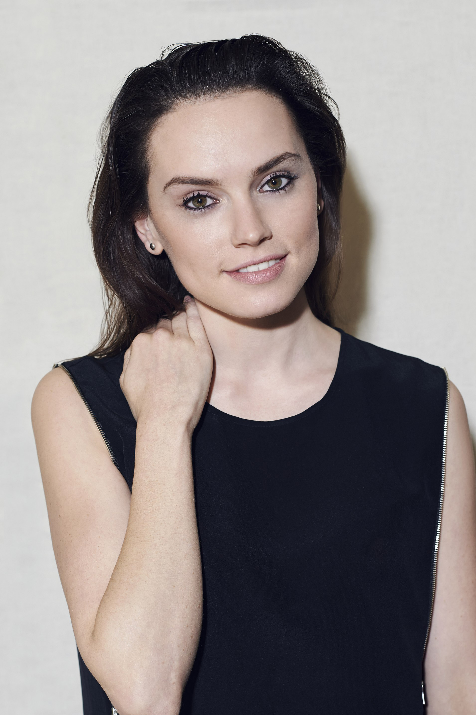 Amazing Daisy Ridley Pictures & Backgrounds