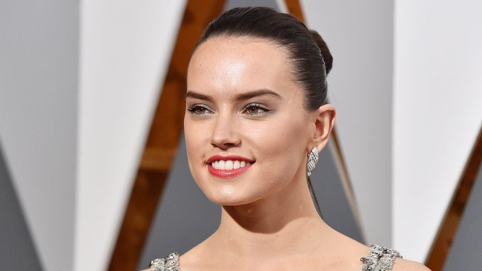 976x549 > Daisy Ridley Wallpapers