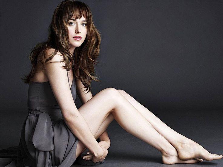 Dakota Johnson #19