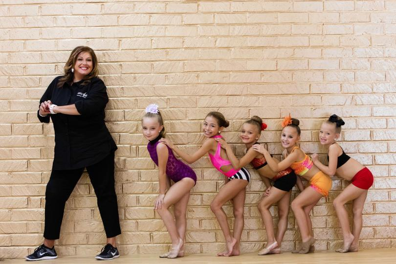 Dance Moms Wallpapers Tv Show Hq Dance Moms Pictures 4k Wallpapers 2019