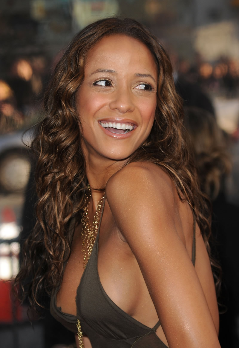 800x1166 > Dania Ramirez Wallpapers