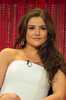 Danielle Campbell High Quality Background on Wallpapers Vista