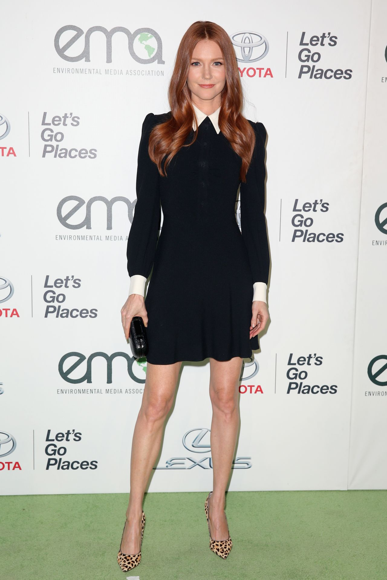 Images of Darby Stanchfield | 1280x1920