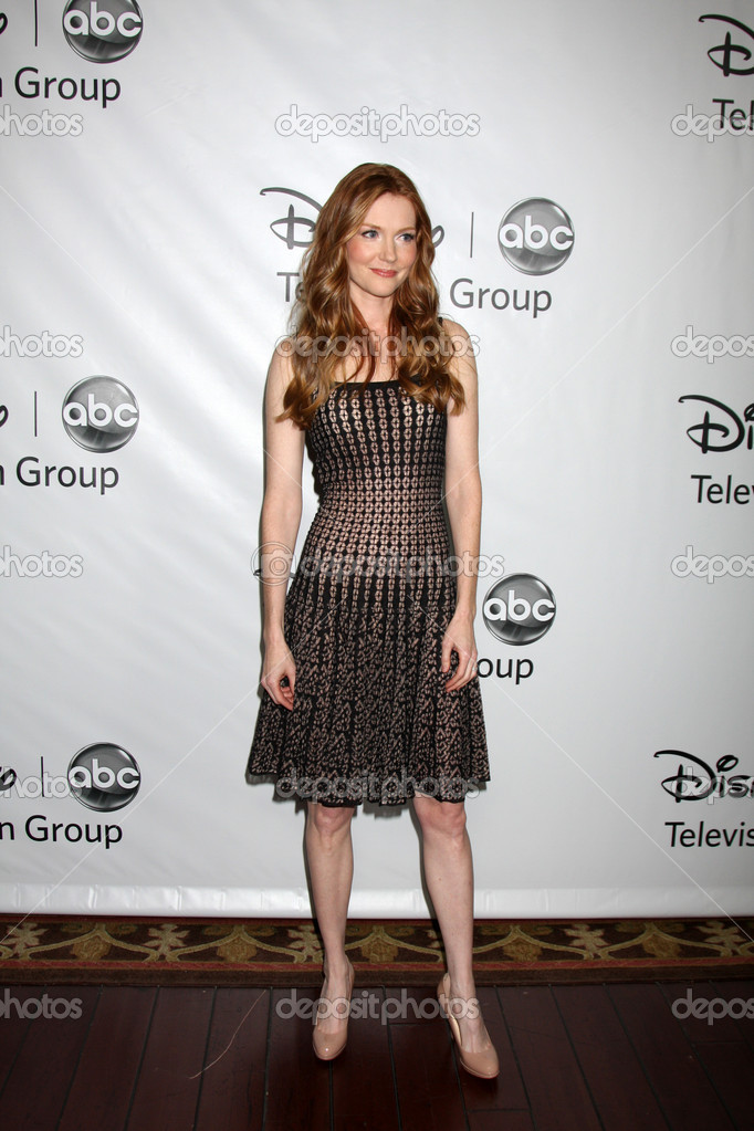 682x1023 > Darby Stanchfield Wallpapers