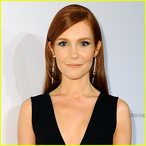 HQ Darby Stanchfield Wallpapers | File 30.26Kb
