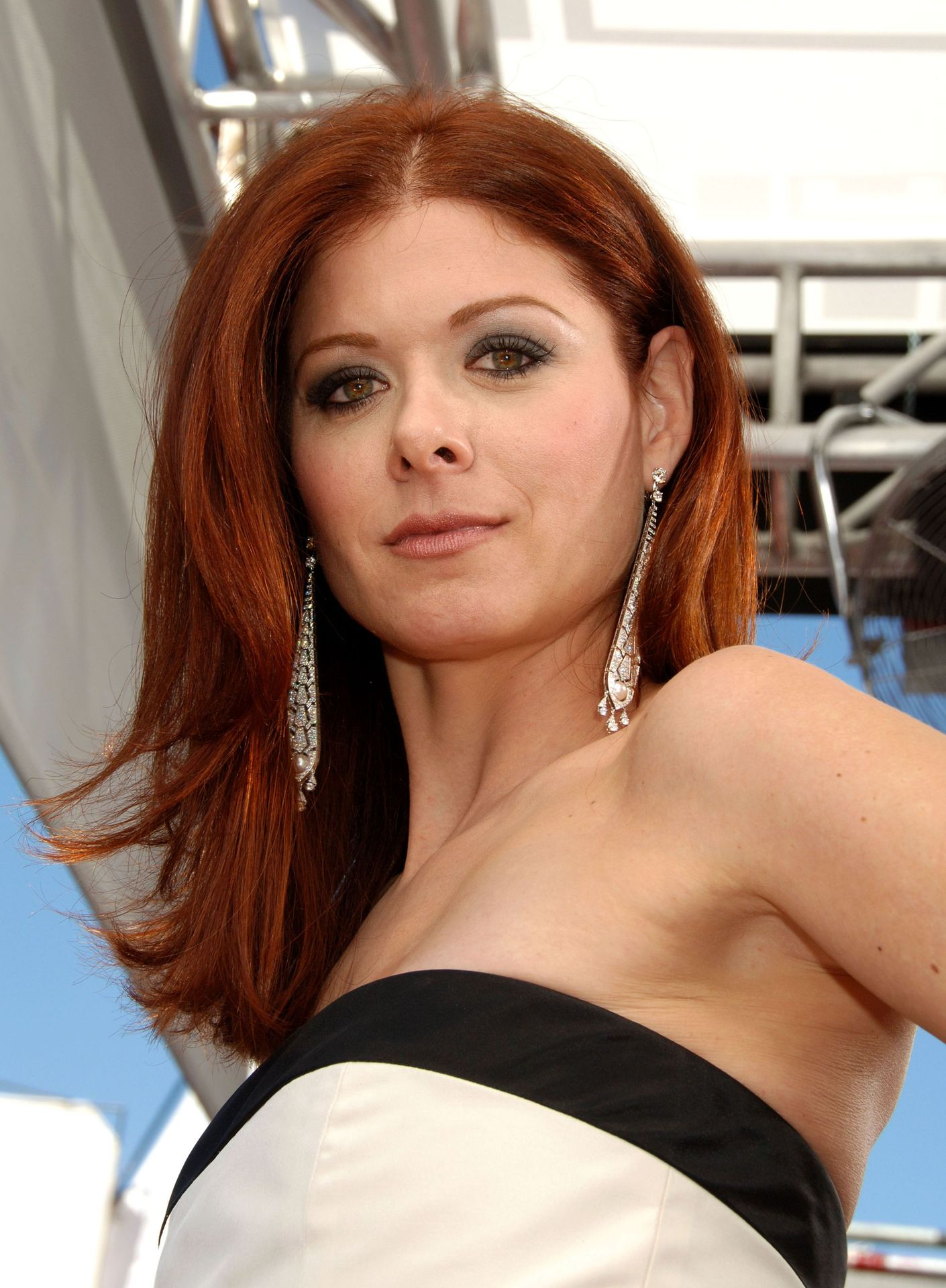 Debra Messing High Quality Background on Wallpapers Vista