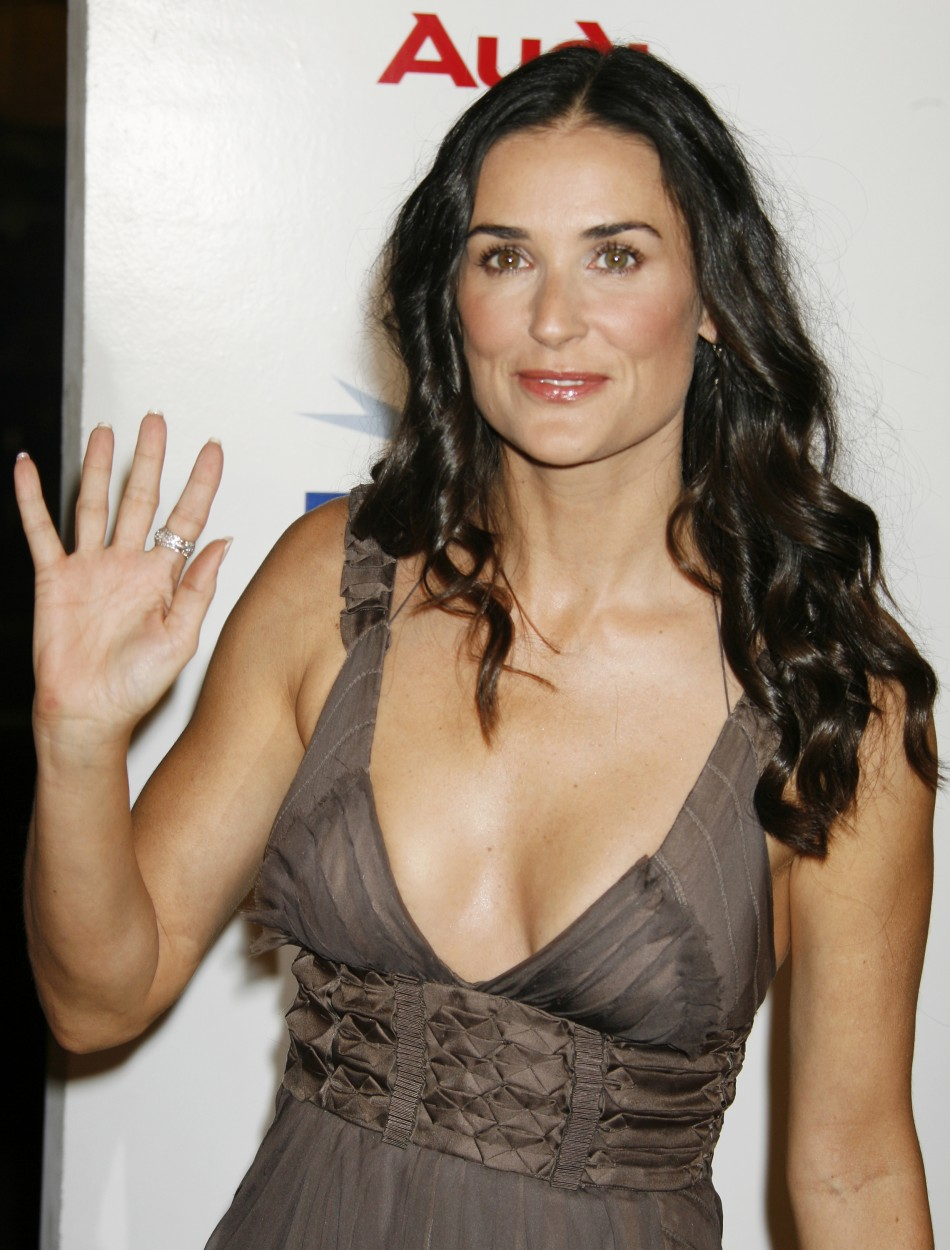 Amazing Demi Moore Pictures & Backgrounds