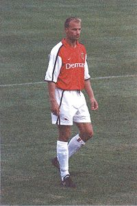 HD Quality Wallpaper | Collection: Sports, 200x300 Dennis Bergkamp