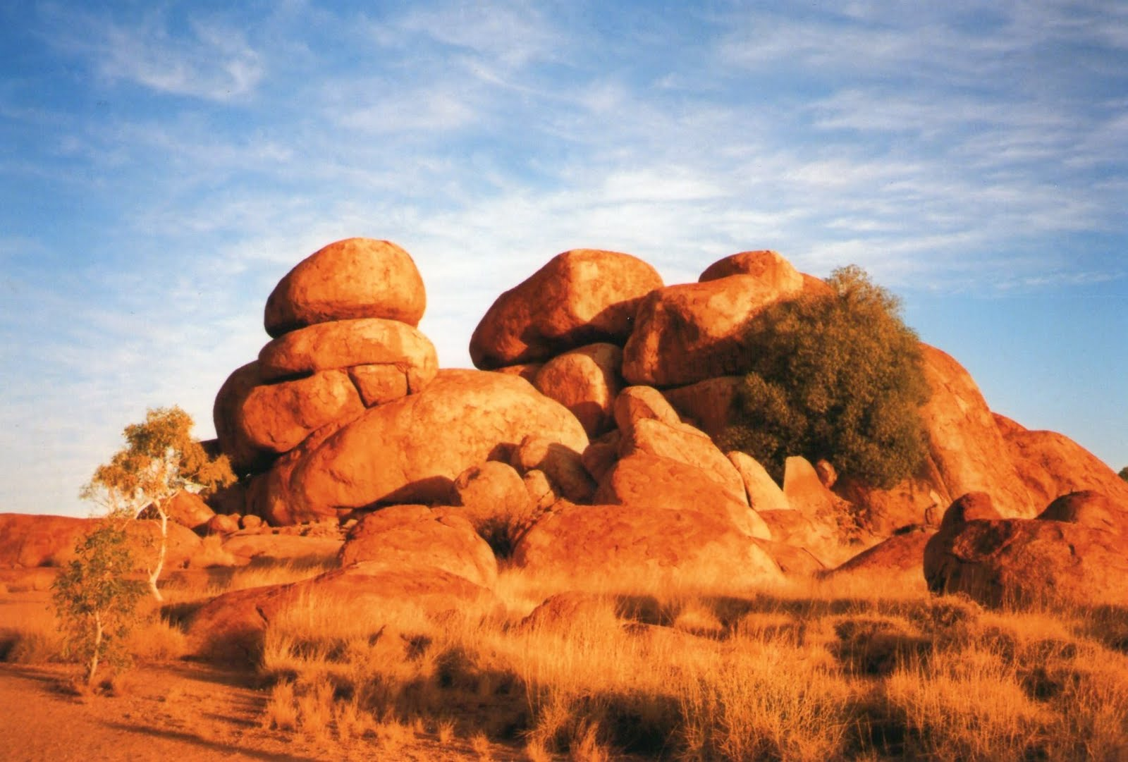 Devils Marbles Backgrounds, Compatible - PC, Mobile, Gadgets| 1600x1081 px
