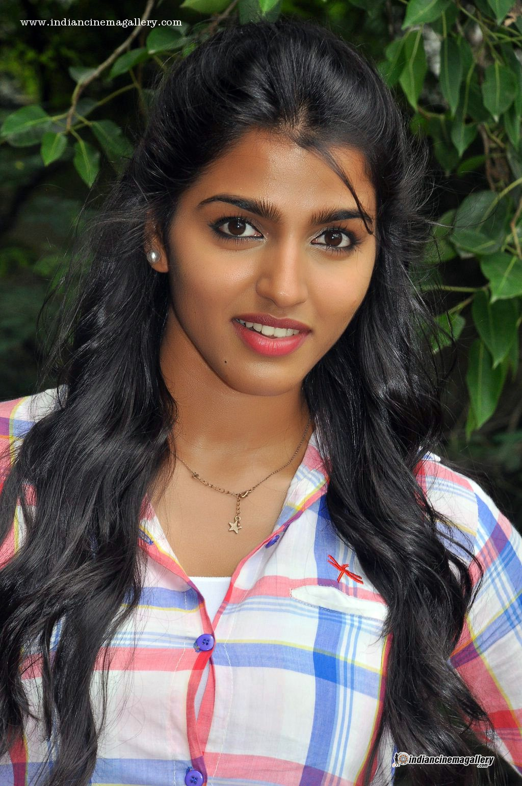 Dhansika Backgrounds on Wallpapers Vista