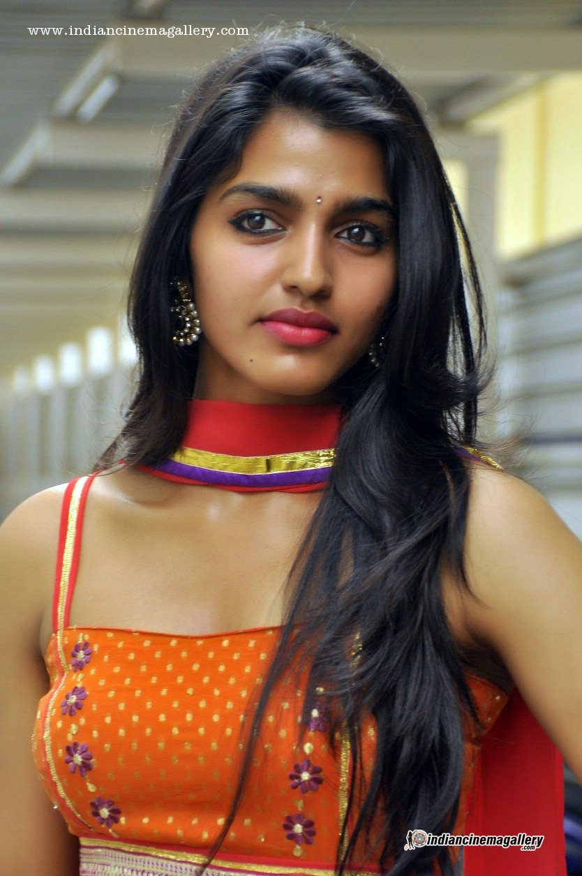 Amazing Dhansika Pictures & Backgrounds