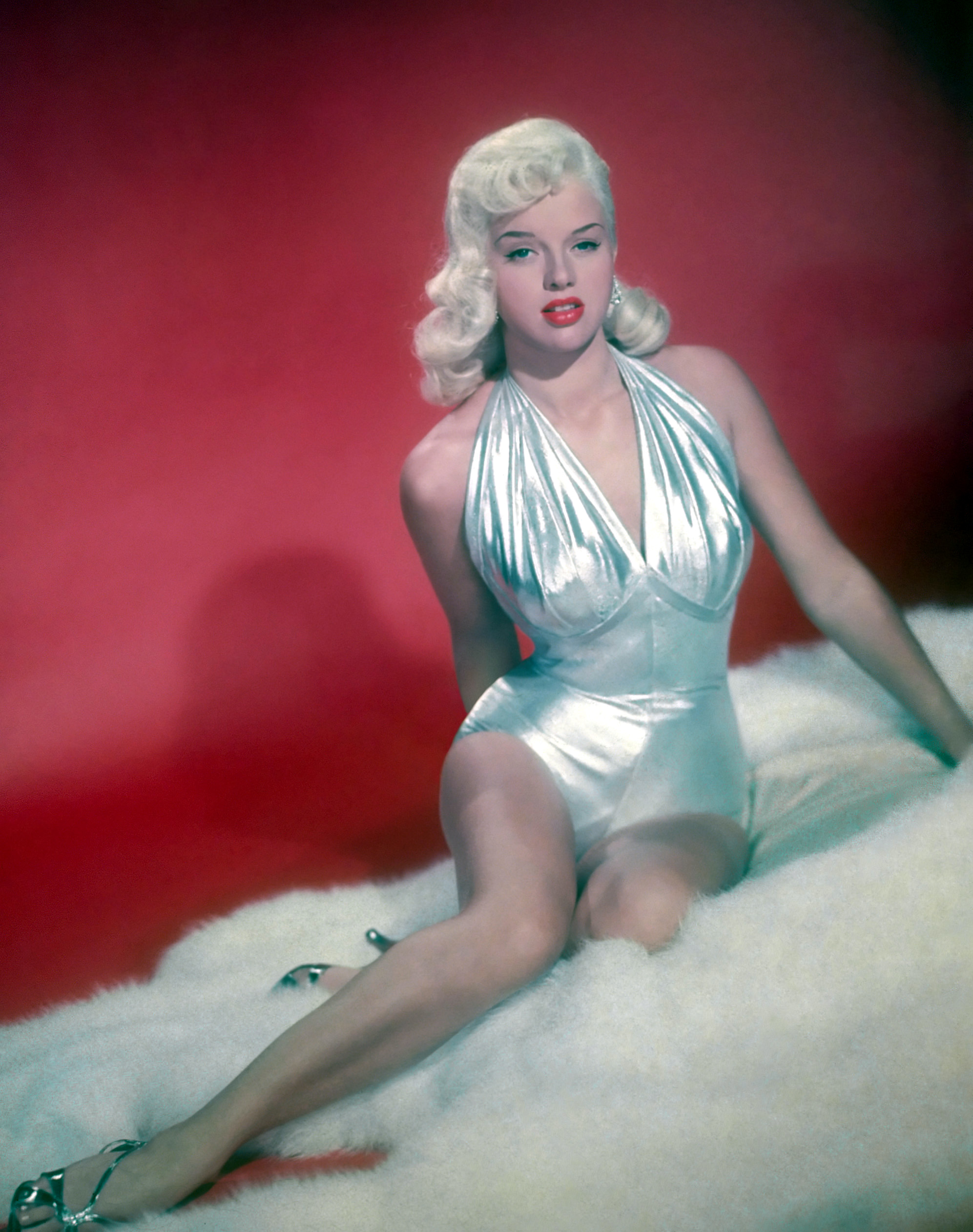 Amazing Diana Dors Pictures & Backgrounds