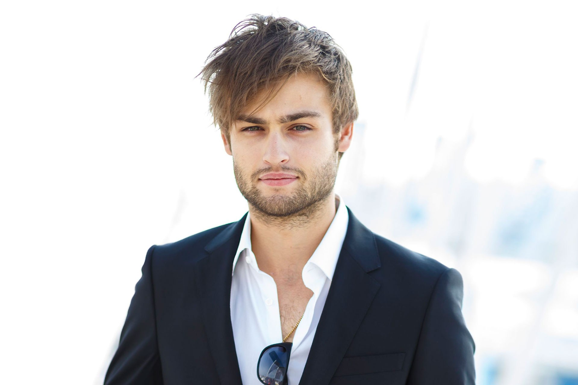 1920x1280 > Douglas Booth Wallpapers