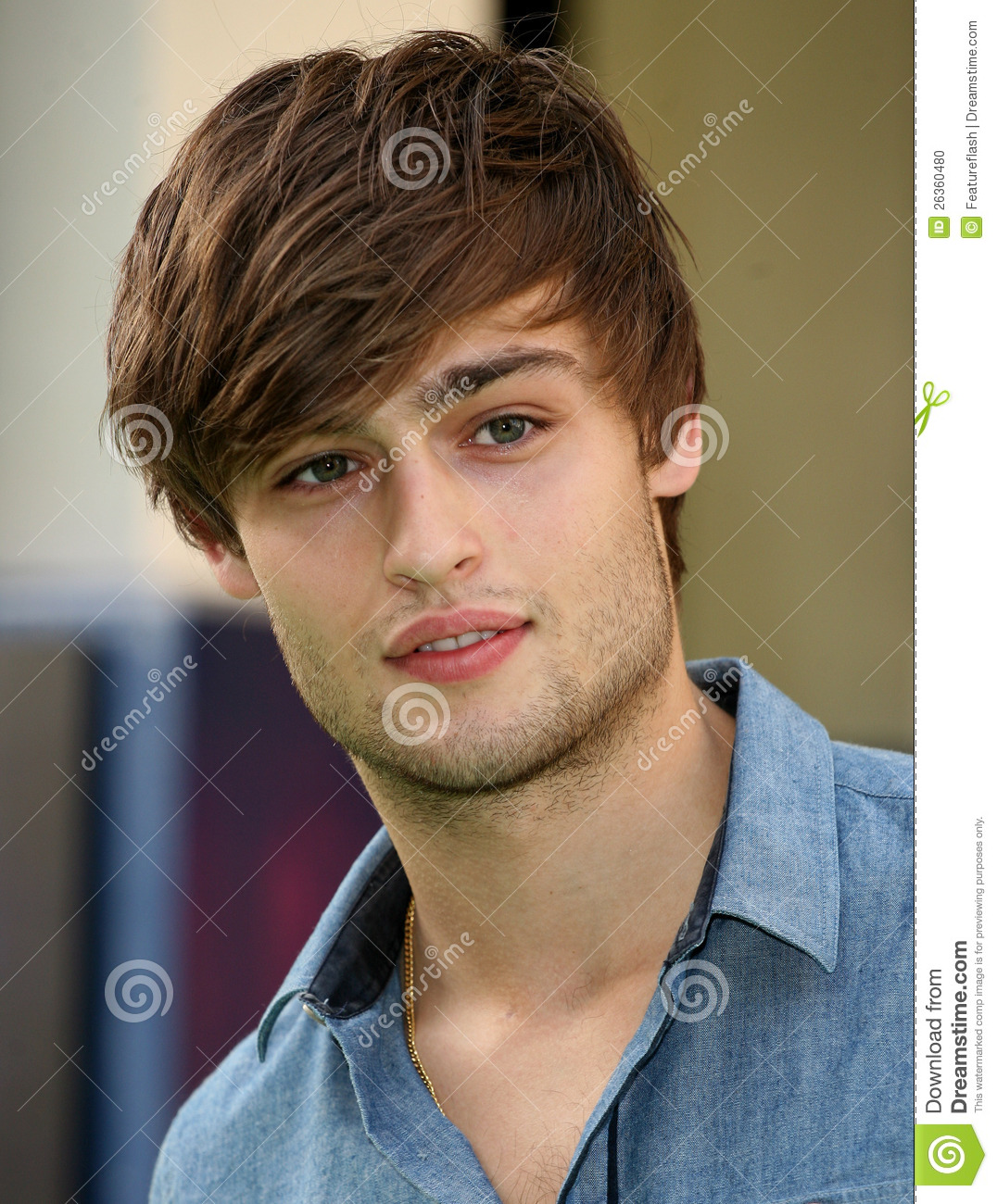 1076x1300 > Douglas Booth Wallpapers