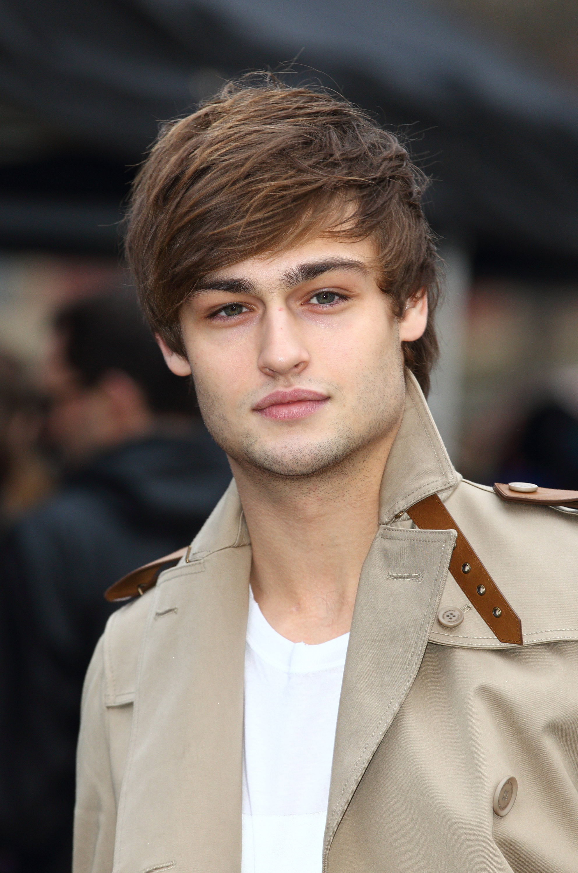 Douglas Booth High Quality Background on Wallpapers Vista