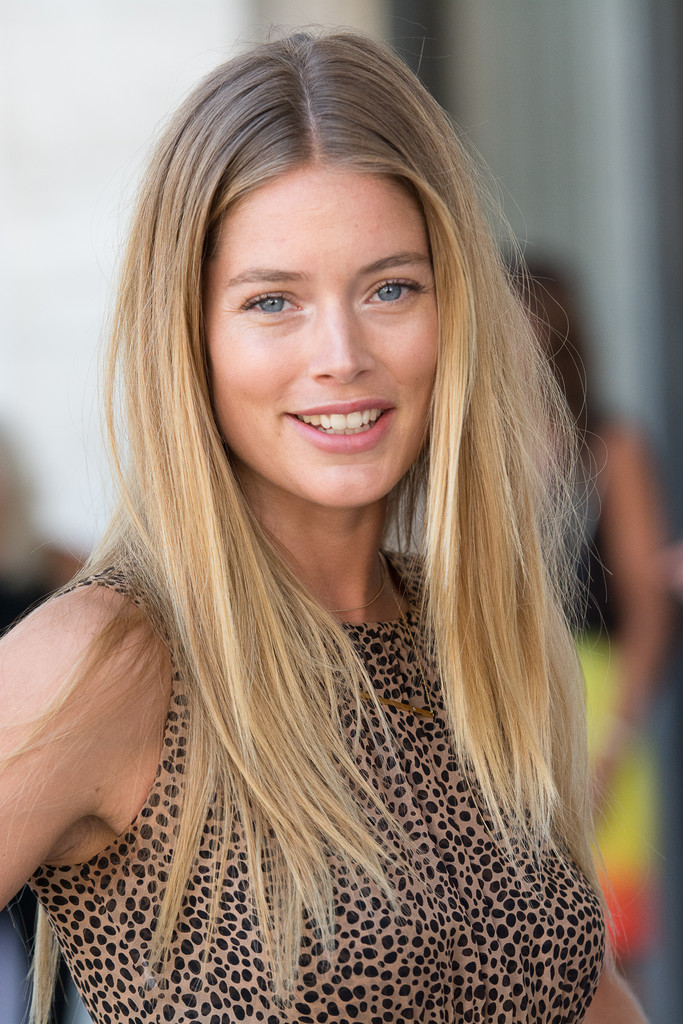 High Resolution Wallpaper | Doutzen Kroes 683x1024 px