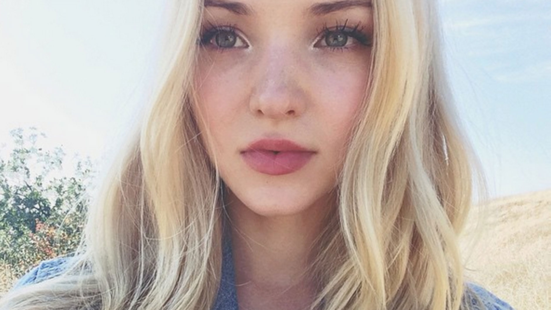 Nice wallpapers Dove Cameron 1880x1058px