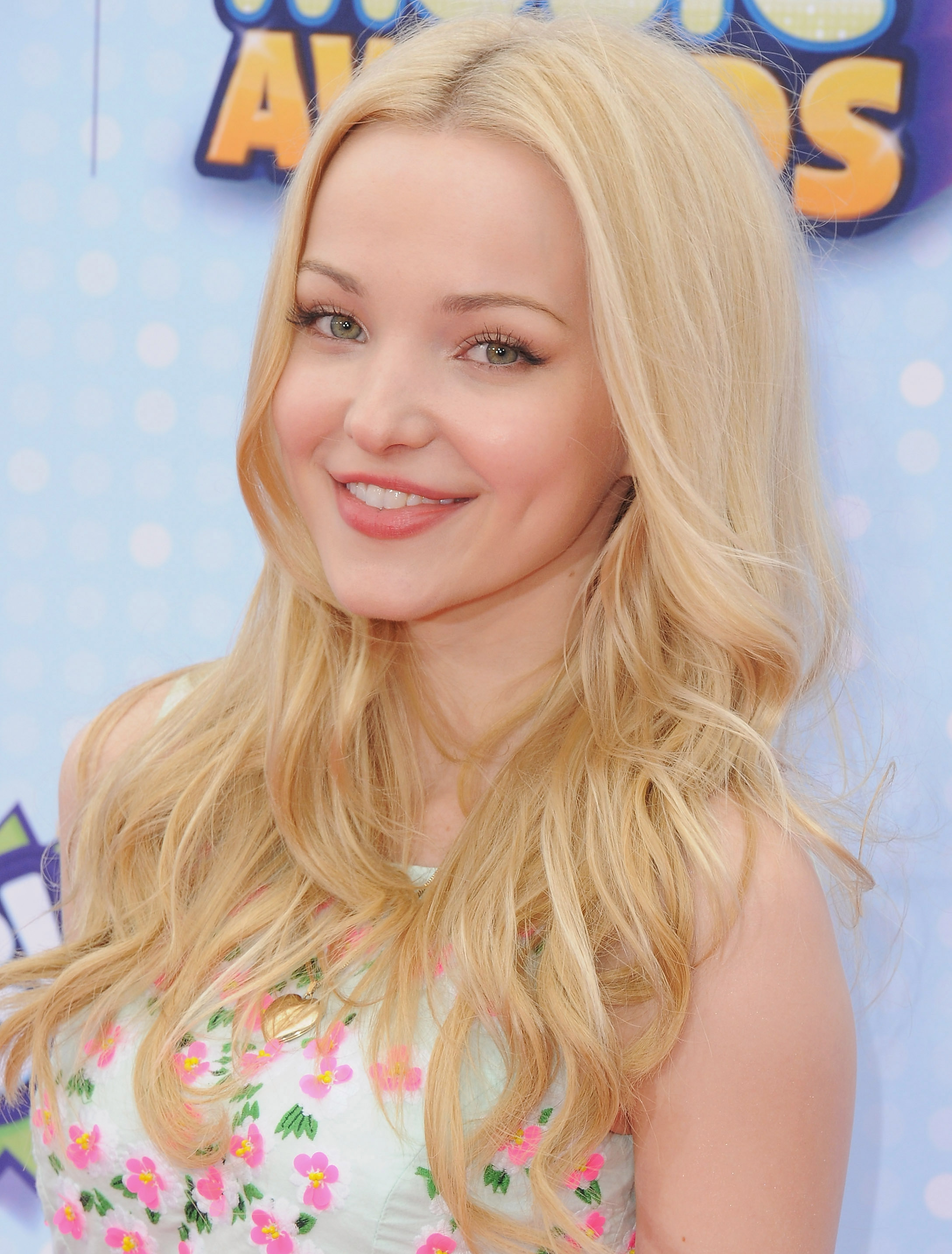 Nice Images Collection: Dove Cameron Desktop Wallpapers