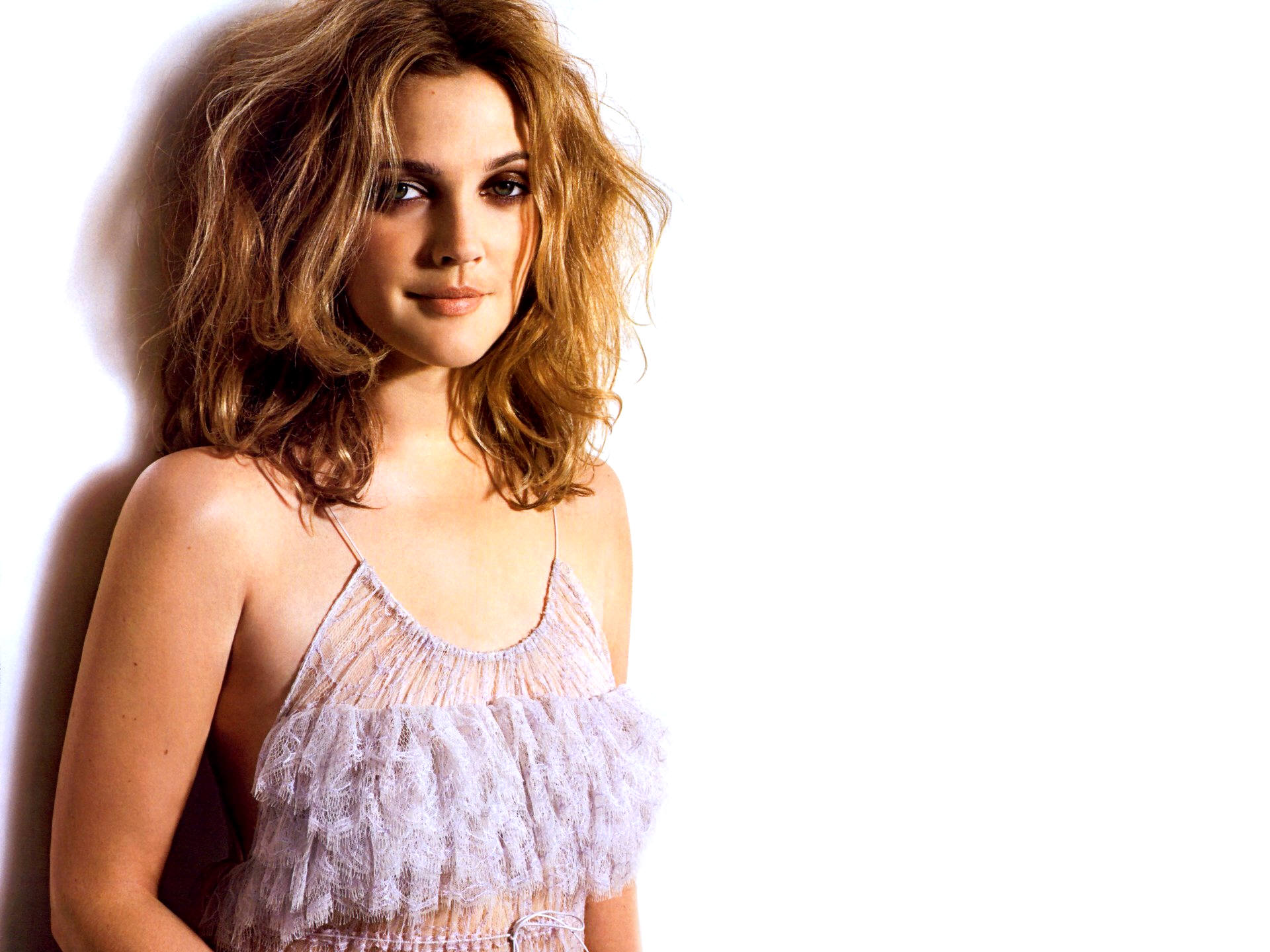 HQ Drew Barrymore Wallpapers | File 300.37Kb