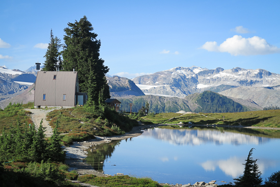 Images of Elfin Lake | 550x367