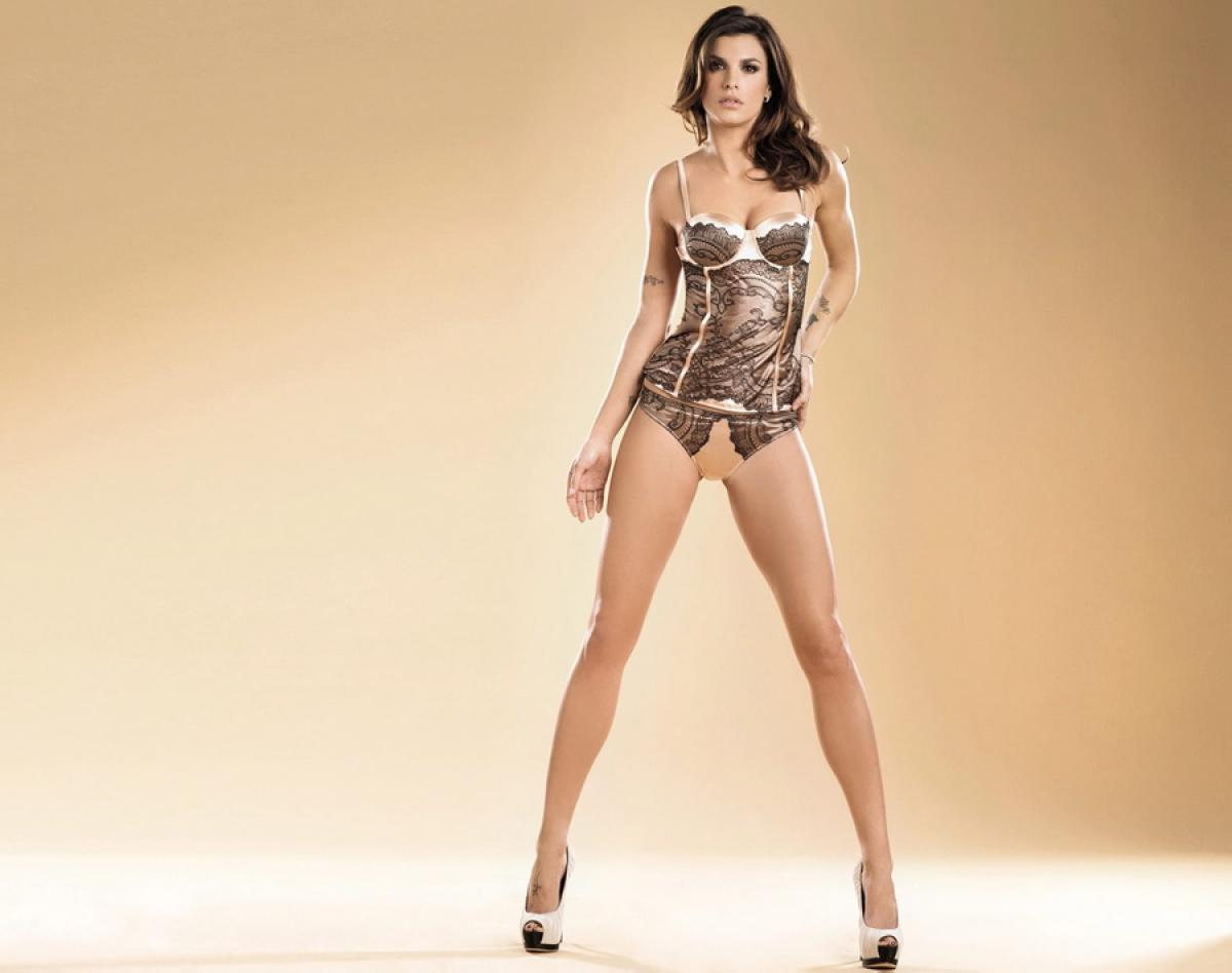 HQ Elisabetta Canalis Wallpapers | File 50.21Kb