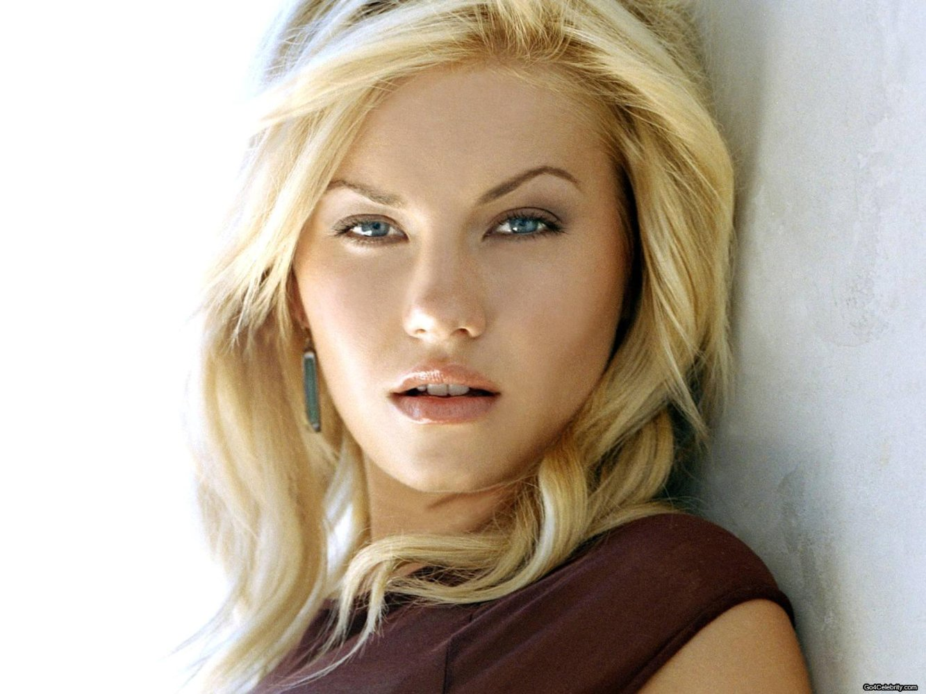 HD Quality Wallpaper | Collection: Celebrity, 1333x1000 Elisha Cuthbert