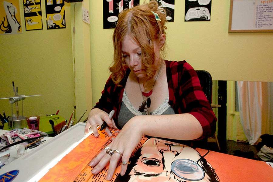 Amazing Eliza Frye Pictures & Backgrounds