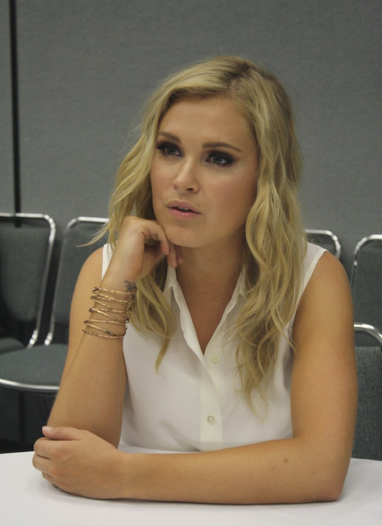 Amazing Eliza Taylor Pictures & Backgrounds
